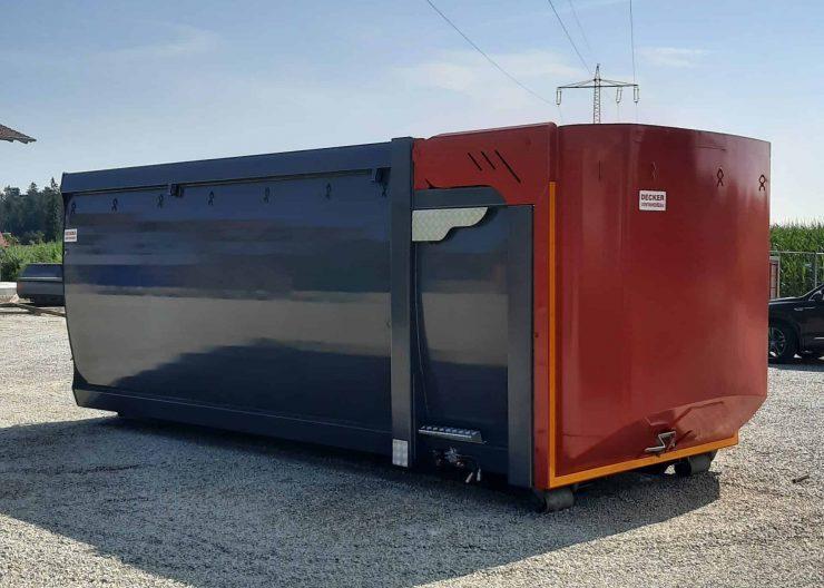 Silagecontainer mit Volumenklappe, Sichtgitter und Kornschieber