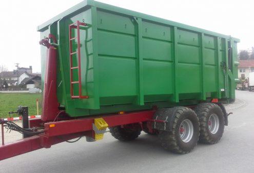 Abrollcontainer-auf-landwirtshaft-1024x768