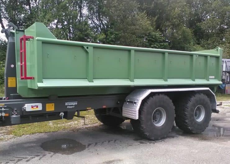 Abrollcontainer-mit-Kotfluegelschutz-1024x768